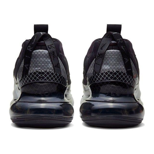 Nike MX 720-818